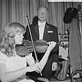 Emmy Verhey (13) violiste, opdracht Telegraaf, Bestanddeelnr 914-2639.jpg