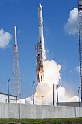 Falcon 9 launches with CRS-7 from SLC-40 (KSC-2015-2389).jpg