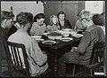 Familie Smedts aan tafel, Bestanddeelnr 120-0580.jpg