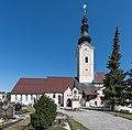 Feldkirchen Kirchgasse Pfarrkirche inmitten Friedhof 28032015 1176.jpg