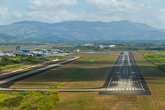 Capture of Torrijos Airport - Image: Final Approach Runway 03R (8417806125)