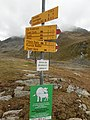Fingerpost near Chamanna da Grialetsch.jpg