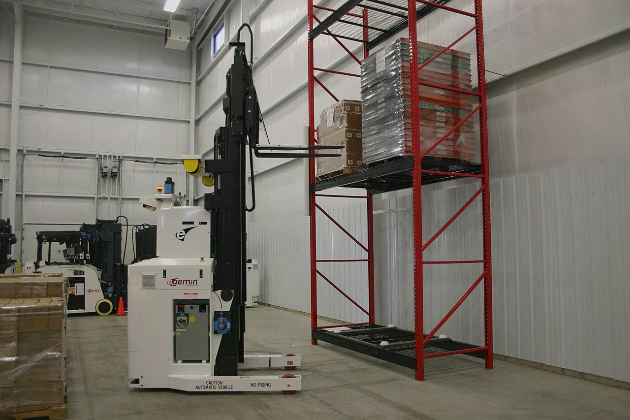 File Forklift Agv With Straddle Courtesy Of Egemin