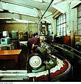 Fotothek df n-35 0000022 Facharbeiter für buchbinderische Verarbeitung.jpg