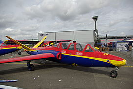 Fouga magister groupe tranchant.jpg