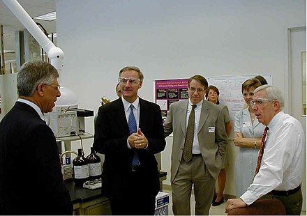 Hutchinson and United States Congressman Frank Wolf tour a DEA drug testing facility in Northern Virginia in 2001 Frank Wolf and Asa Hutchinson tour a DEA drug testing facility in Northern Virginia.jpg