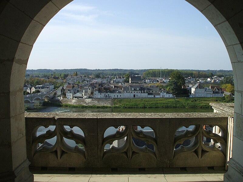 File:From Chateau de Amboise across the Loire.JPG