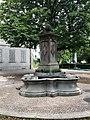 Froschbrunnen bei Schulhaus Riesbach.jpg