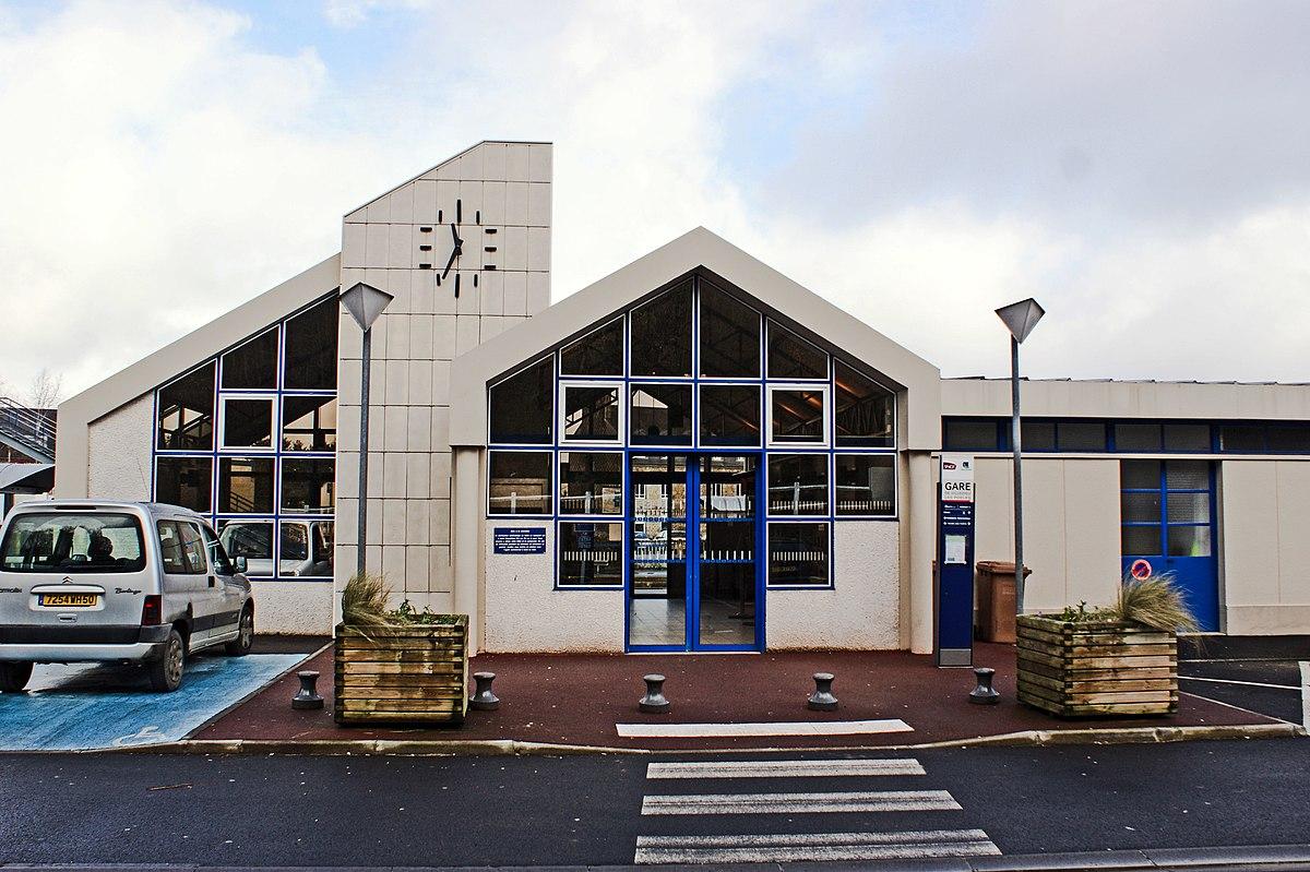 Gare de villedieu les po les wikip dia for Horaire piscine avranches
