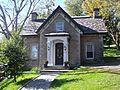 Gatekeeper's Lodge of the Hugh Allan House, called Ravenscrag 02.jpg