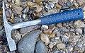 Geological hammer, WikiProjekt Landstreicher Geotop Eistobel 01 (cropped).jpg