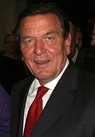 27th G8 summit - Image: Gerhard Schröder (cropped)