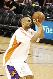 Grant Hill at a pre-game warm up