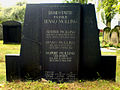 Grabmal Familie Benno Molling Arthur Molling Sophie Ruben Jüdischer Friedhof an der Strangriede.jpg