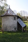 Granary Cottens Apr 2011.jpg