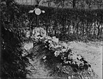 Grave of German Airman - Baron Von Richthofen at Sailly le Sec, Somme (4687970083).jpg