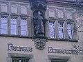 Gustl am Rathaus Blasewitz.jpg