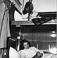 HUA-152194-Afbeelding van reizigers in de couchette van een ligrijtuig.jpg