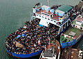 Haitians fill ferry in Port-au-Prince 2010-01-16.jpg