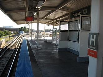 Bridgeport, Chicago - View from southwest of the Orange Line's Halsted Station platform.