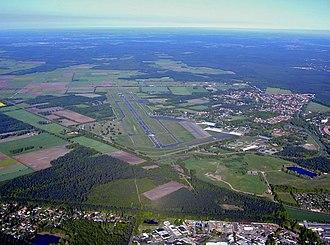 Celle Air Base - Image: Heeresflugplatz Celle