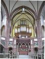 Heilige-Geist-Kirche Altar und Orgel.jpg