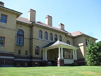 Reading Public Library (Massachusetts) - Highland School