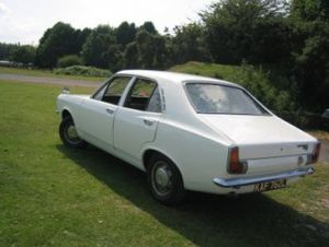 Ryton-on-Dunsmore - 1972 Hillman Avenger saloon built at the Ryton plant