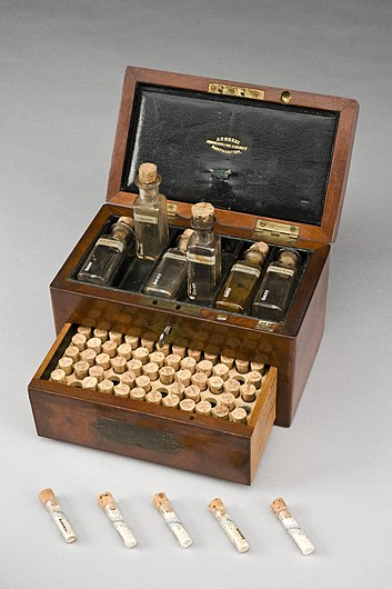 Homeopathic medicine chest, Northamptonshire, England, 1801- Wellcome L0057796.jpg