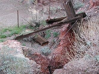 Homestake Mine (Nevada) - Image: Homestake Nevada mine shafts
