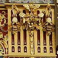 Horloge de Charles V - Une partie des dorures visibles à la base de l'horloge.jpg