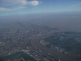Huangpu River and Yangtze River in Baoshan District, Shanghai.JPG