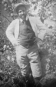 Hugo simberg in his garden.jpg
