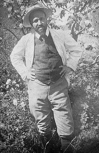 Hugo Simberg - Hugo Simberg in his garden, 1907.
