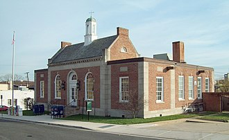 Colonial Revival architecture - Image: Hyattsville PO Nov 08