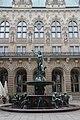 Hygieia Fountain at Hamburg Rathaus - panoramio.jpg