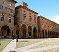 I portici di piazza Santo Stefano.JPG