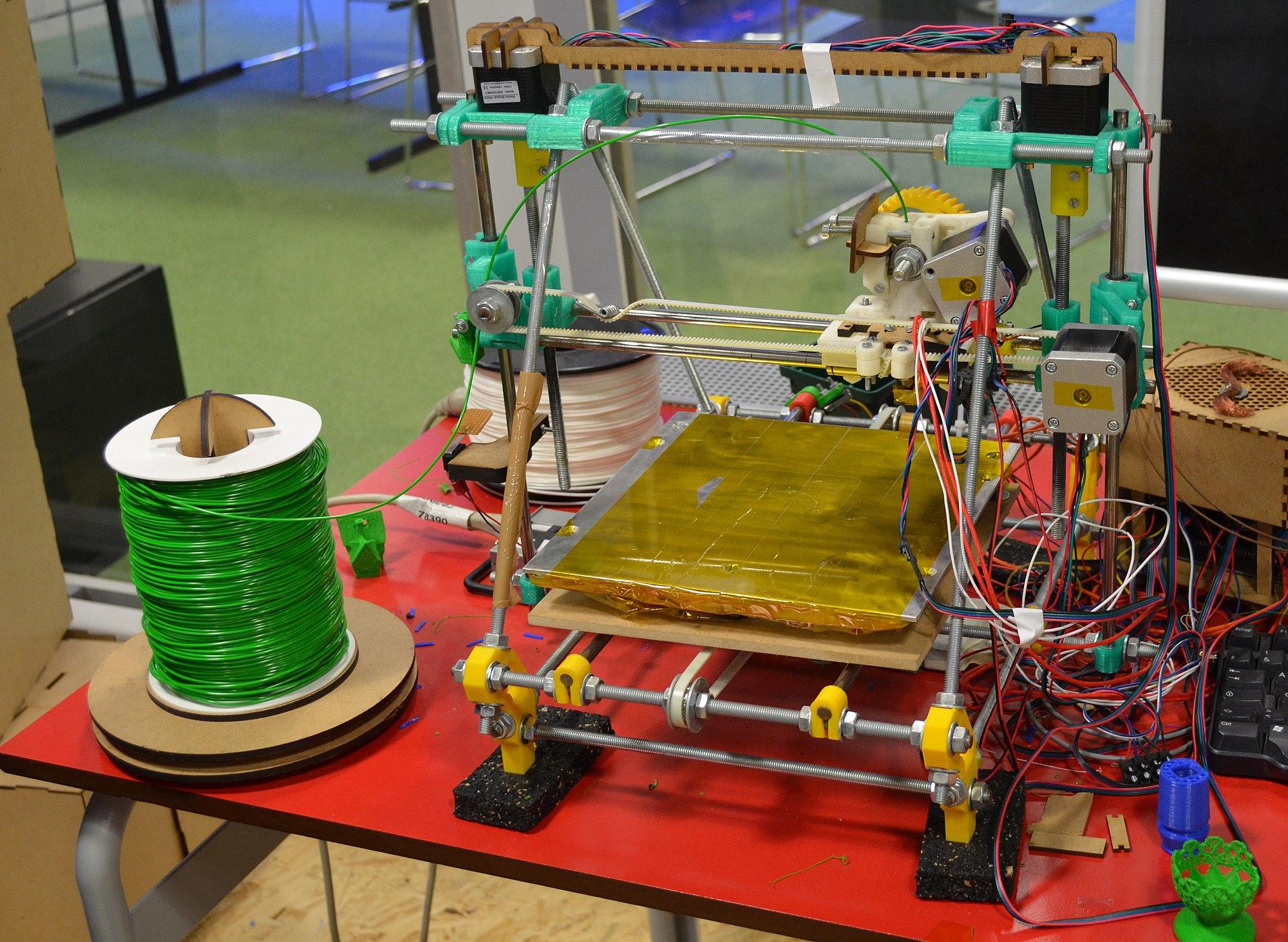 Imprimante 3D - cité des sciences - Fab Lab.JPG