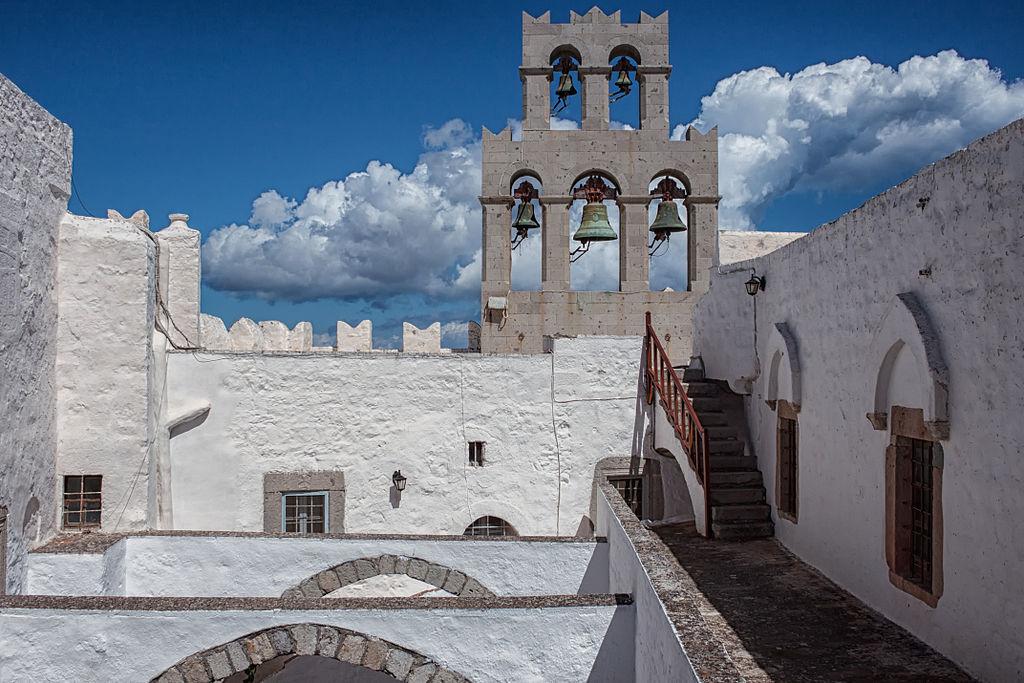 Johanneskloster auf der Insel Patmos): Innenhof (UNESCO-Welterbe in Griechenland). In the Monastery