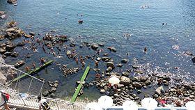 Baia di Sorgeto, Ischia, fonte di acqua calda.