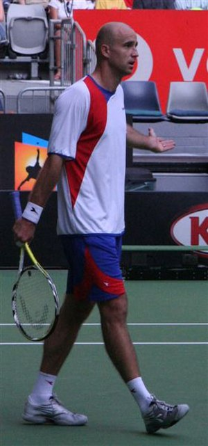 Ivan Ljubičić - Ljubičić in his only 2007 Australian Open match, questioning a line call.