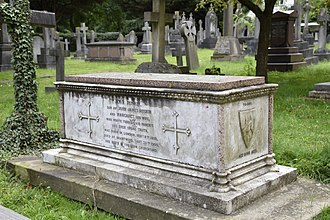 John Ruskin - The grave of John James Ruskin in the churchyard of St John the Evangelist, Shirley, Croydon
