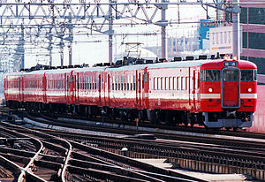 711 series - Former prototype set S901 leading a 6-car formation at Sapporo, 1994