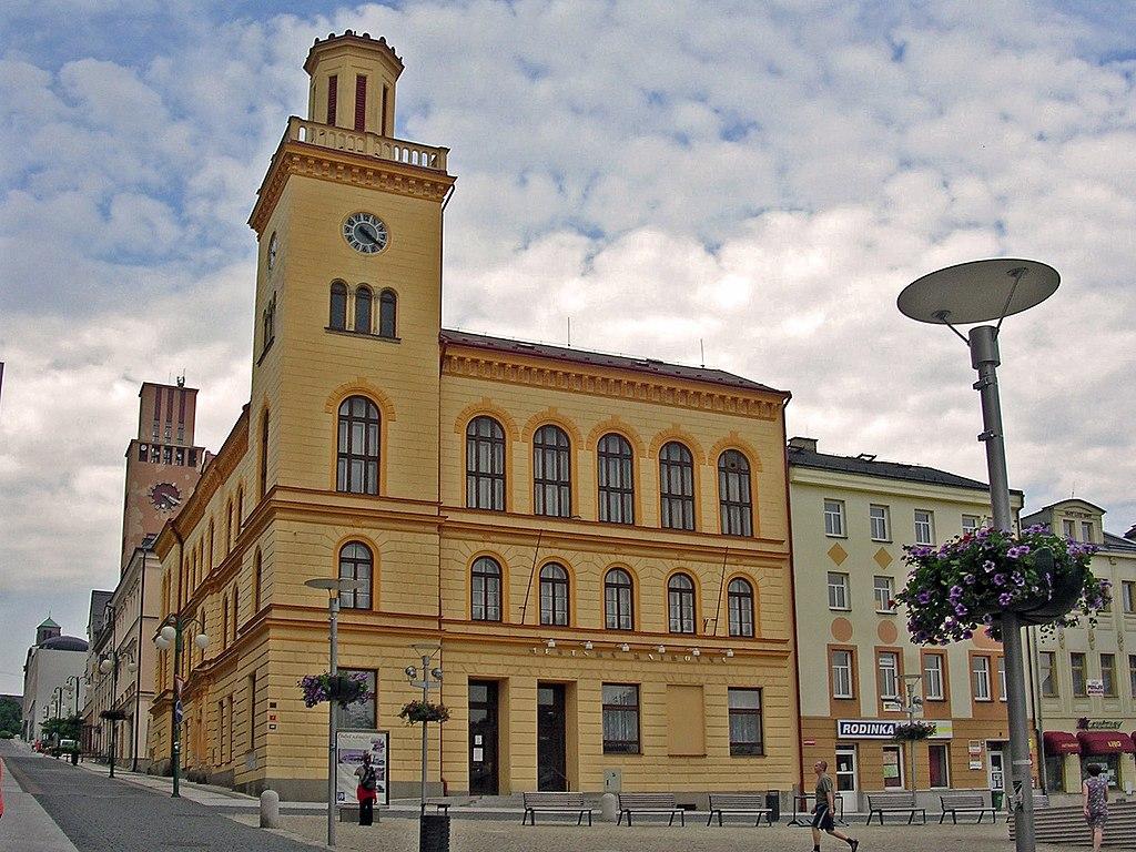 Jablonec nad Nisou Czech Republic  City new picture : Jablonec nad NIsou, radnice na Dolním náměstí Wikipedia ...