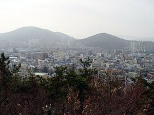 Jeongeup seen from Seonghwangsan - 2009-02-04.JPG