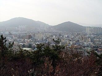Jeongeup - Jeongeup seen from Seonghwangsan