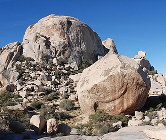 Pitch (ascent/descent) - Image: Joshua Tree Wonderland of Rocks South Astro Dome