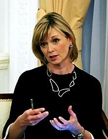 julie etchingham photos