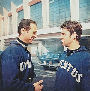 Giuliano Sarti - Sarti (left) with Juventus in 1968–69 season, in a break workout along with colleague Roberto Anzolin.