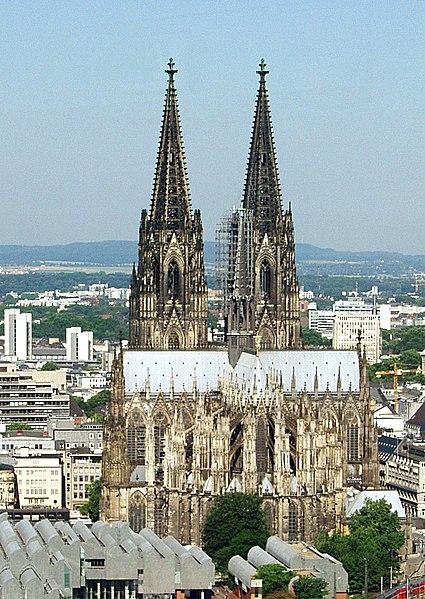 File:Kölner Dom vom KölnTriangle.jpg